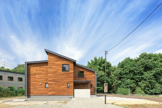 自然豊かな土地に佇む新築住宅