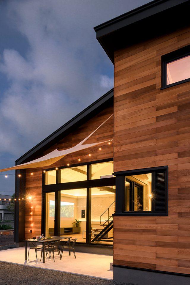 新築住宅の夜の雰囲気
